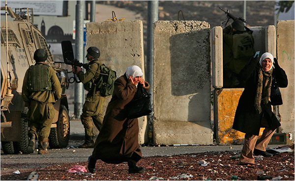 Muhammed Muheisen, giovanissimo fotografo dell'Ap a Gerusalemme e Premio Pulitzer nel 2005